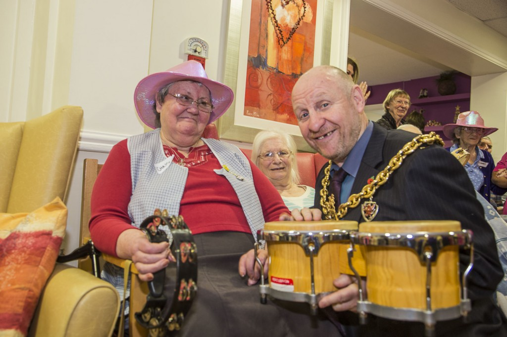 David Petri on keyboard and violinist Carfoline Abbott from the Halle with Pendine Park residents at Cae Bryn care home. The Mayor of Wrexham, Councillor Alan Edwards joined in the fun with Christine Jones