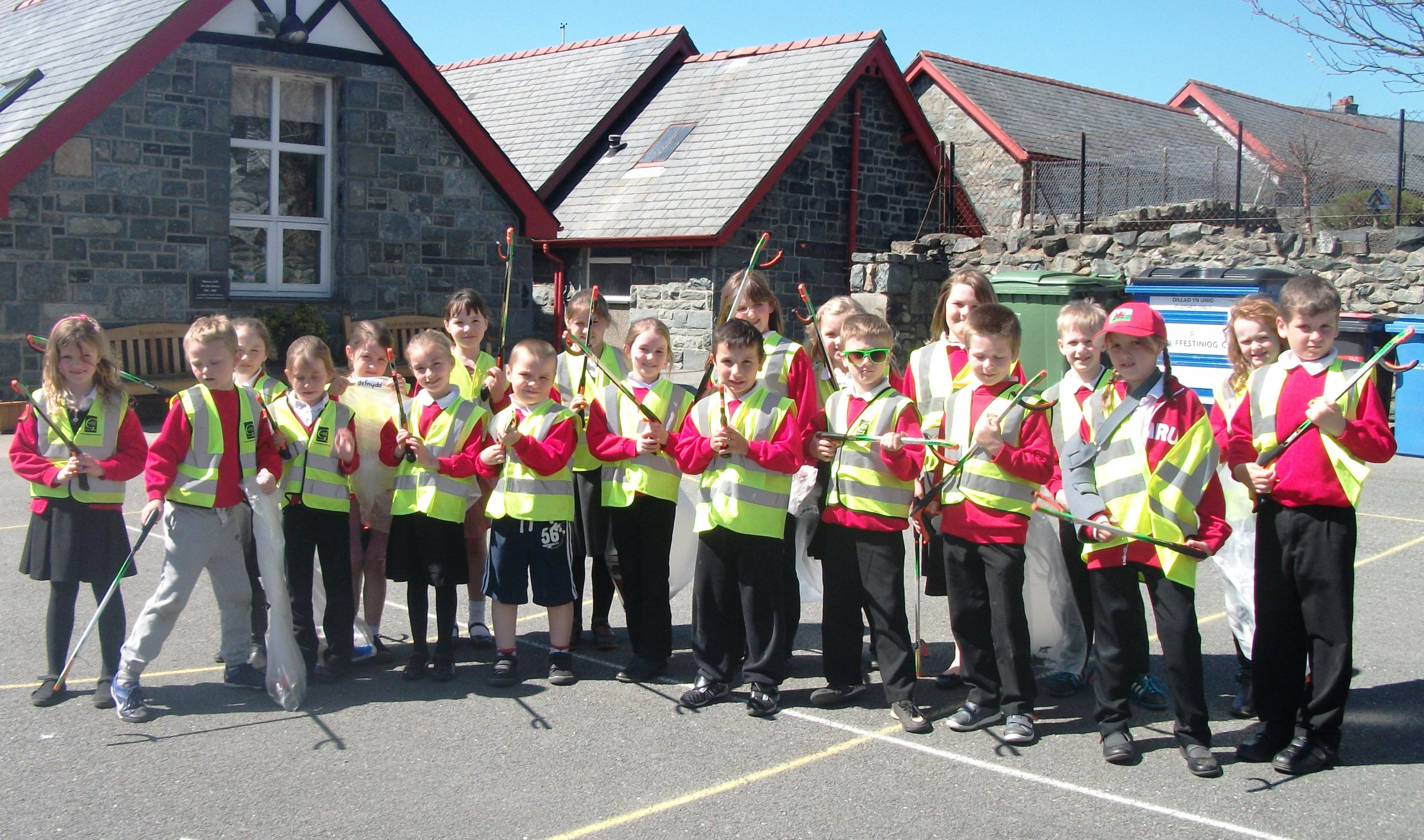 Ysgol Bro Hedd Wyn, Trawsfynydd pupils who took part in the recent litter-pick in the area.