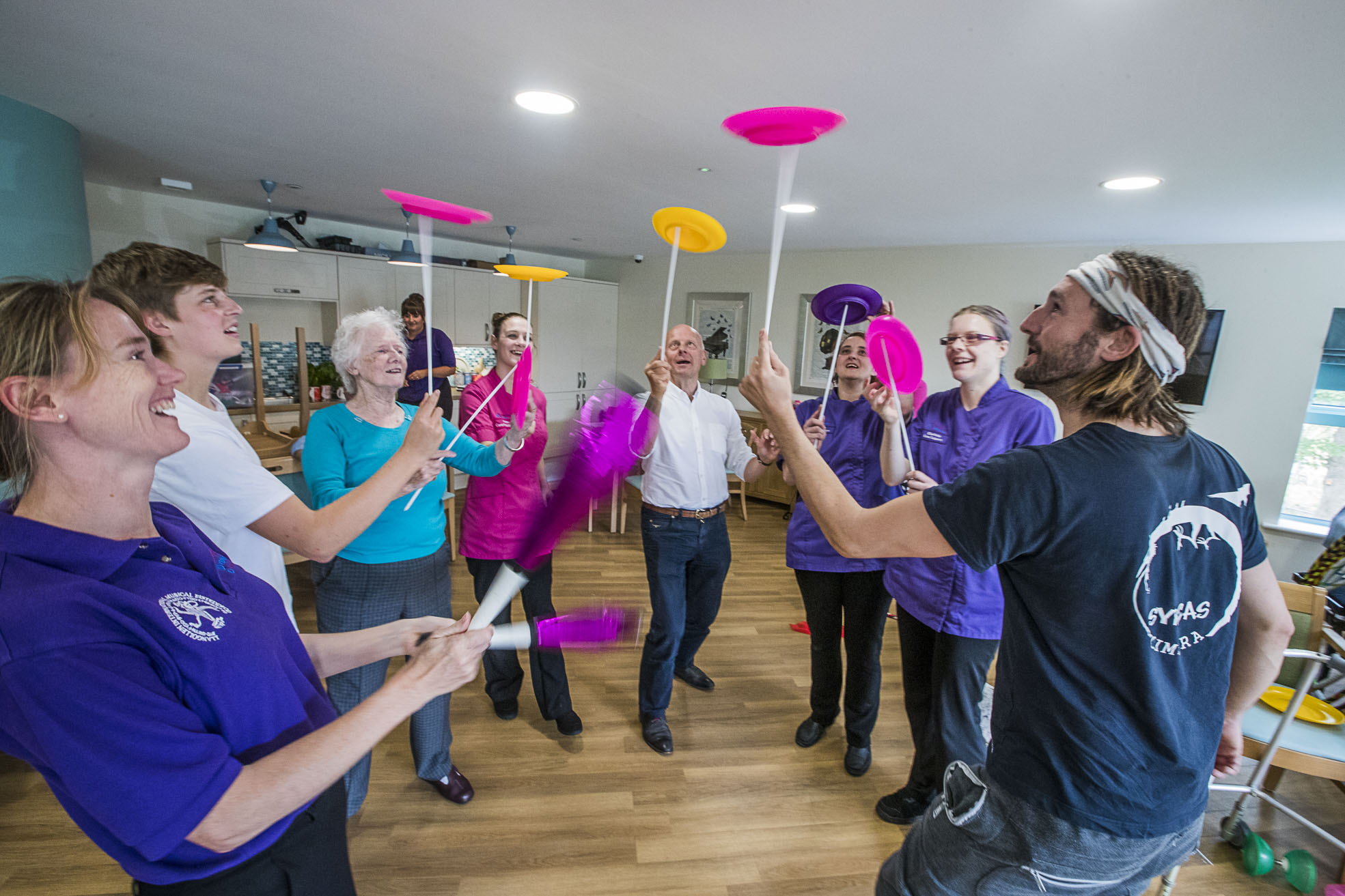 Life's a circus for Caernarfon care home residents and owner Mario