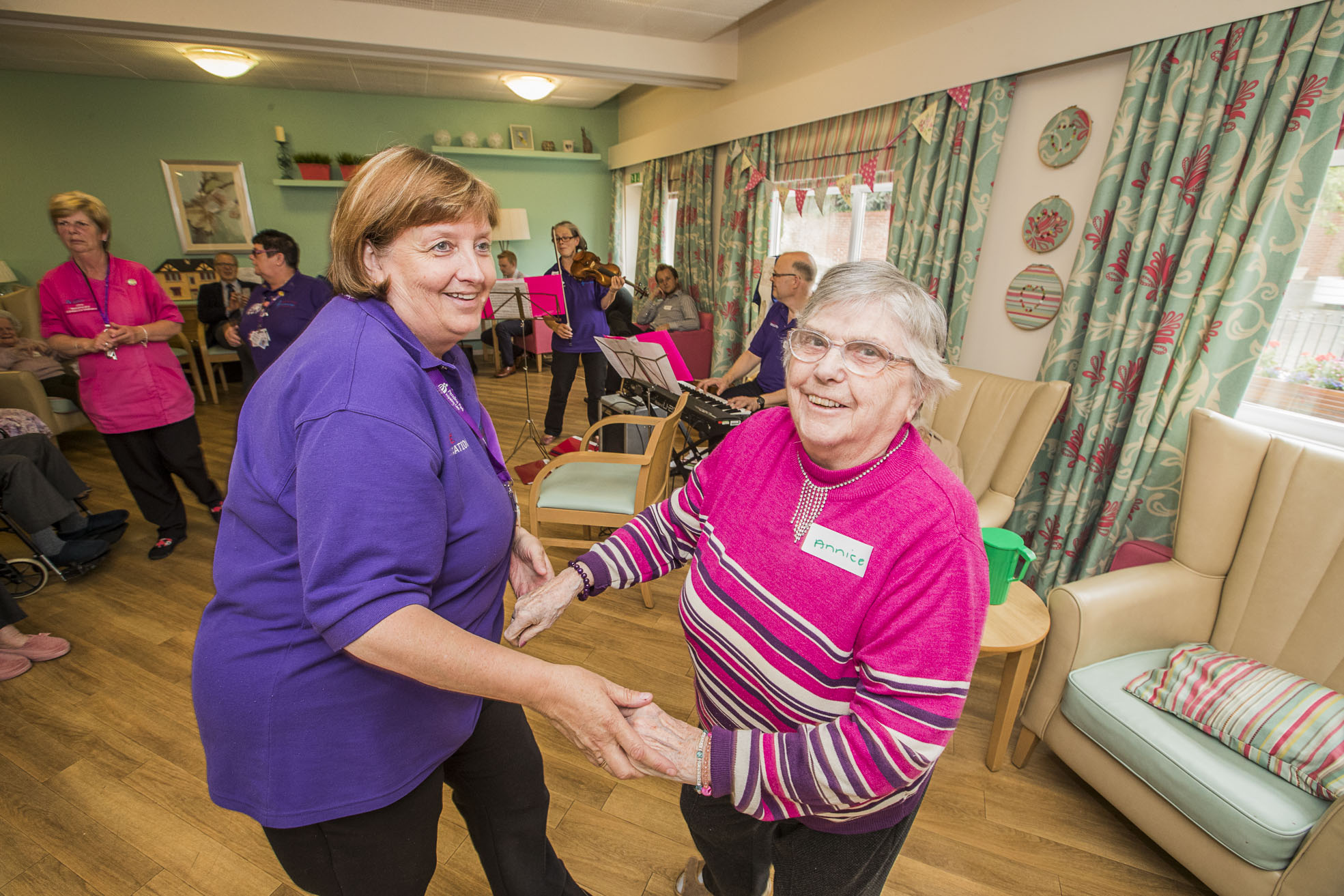 Revolutionary musical wristband hits the right note in care home