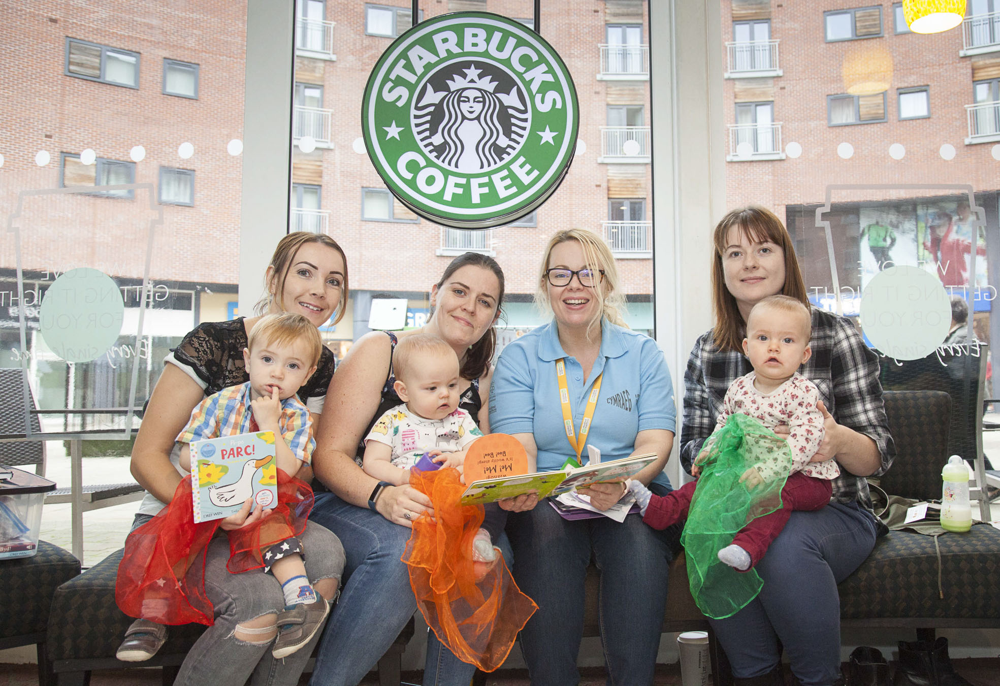 Coffee shop helps tots to mind their Welsh language in weekly story sessions