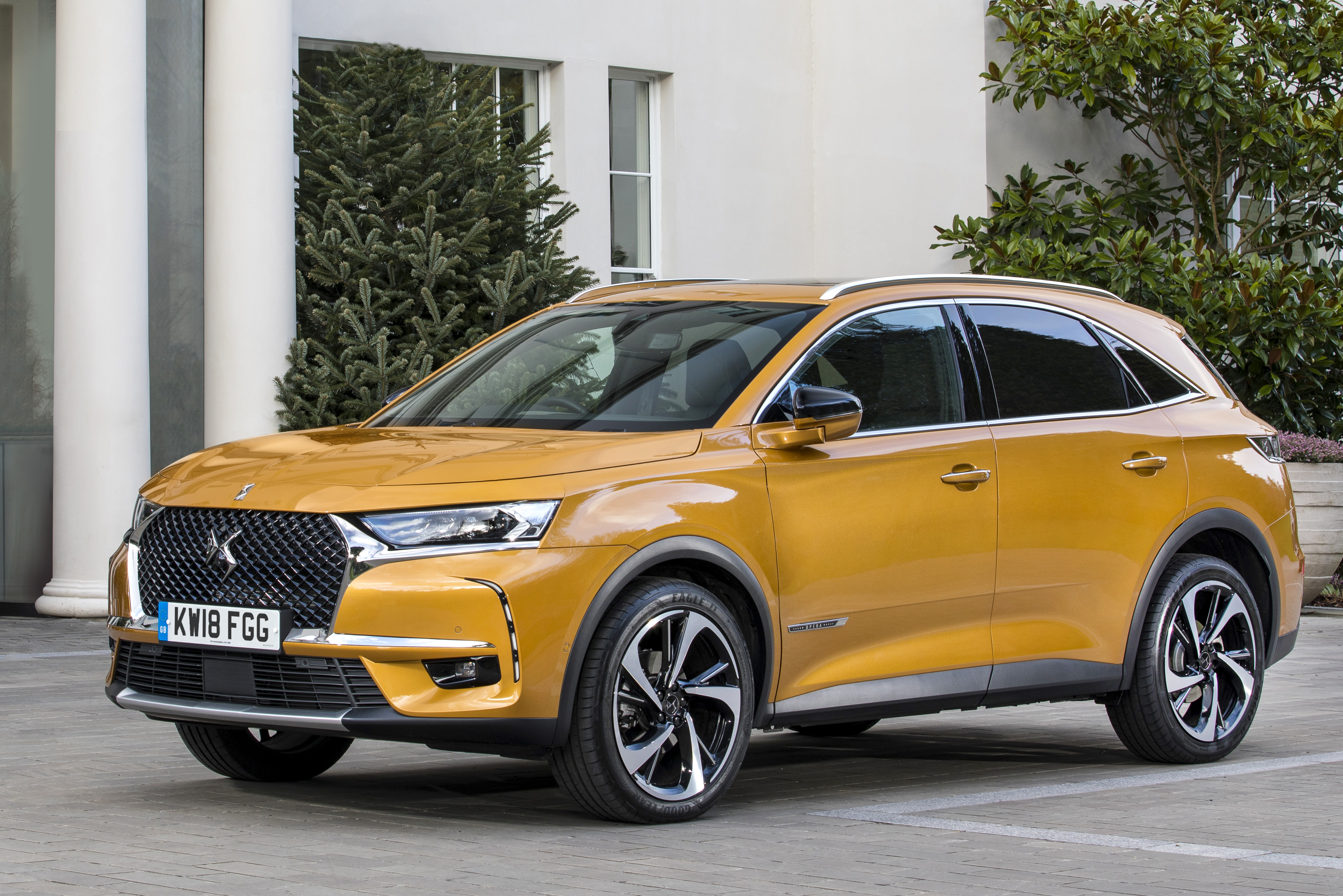 ds7 crossback ultra prestige launch report news by wales express news people before profit. Black Bedroom Furniture Sets. Home Design Ideas