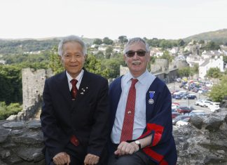 Pictured Mayor of Himeji, Toshikatsu Iwami and Cllr Bill Chapman former Mayor of Conwy , at Conwy Castle.
